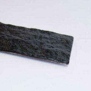 石のプレート「kasanehada」 黒 アップ