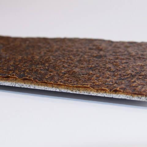 石のプレート「kasanehada」 茶 アップ